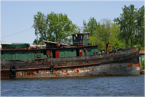 Derelict on Rondout Creek, Kingston, NY. Photo by Eric Francis.
