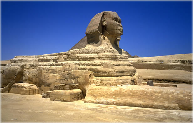 The Great Sphinx, photographed with Fuji Velvia film. Copyright ©2003 Charlie Lemay.